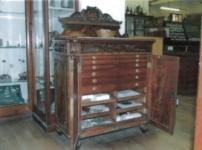 Ripley cabinet